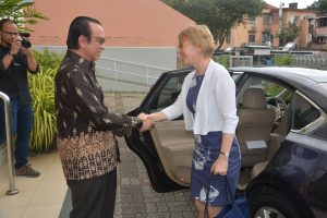 Visit by H.E. Ms Lynn McDonald, Canada's High Commissioner